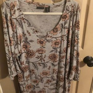 Tahari floral top 2x new without tags